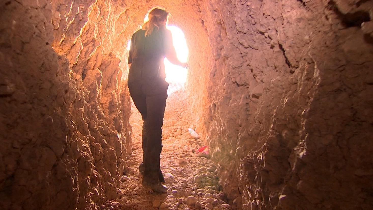 مراسلة CNN في أحد أنفاق داعش: شبكة معقدة تلتف حول المهاجمين