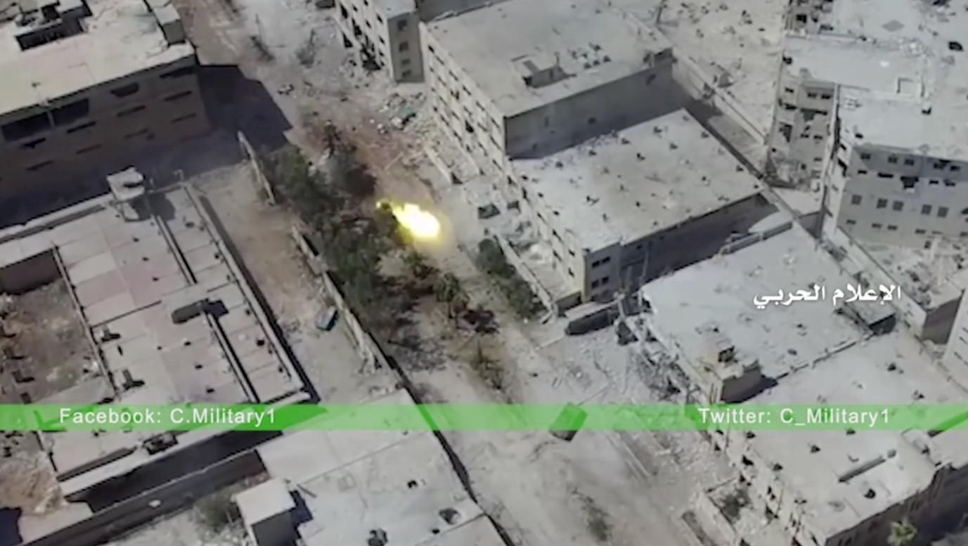 لقطات من طائرة دون طيار تظهر الدمار في حلب.. والأمم المتحدة تطالب روسيا بتسليمها الممرات الآمنة
