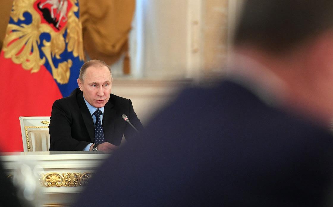 بالفيديو: هل يرفع ترامب العقوبات الأمريكية على روسيا؟