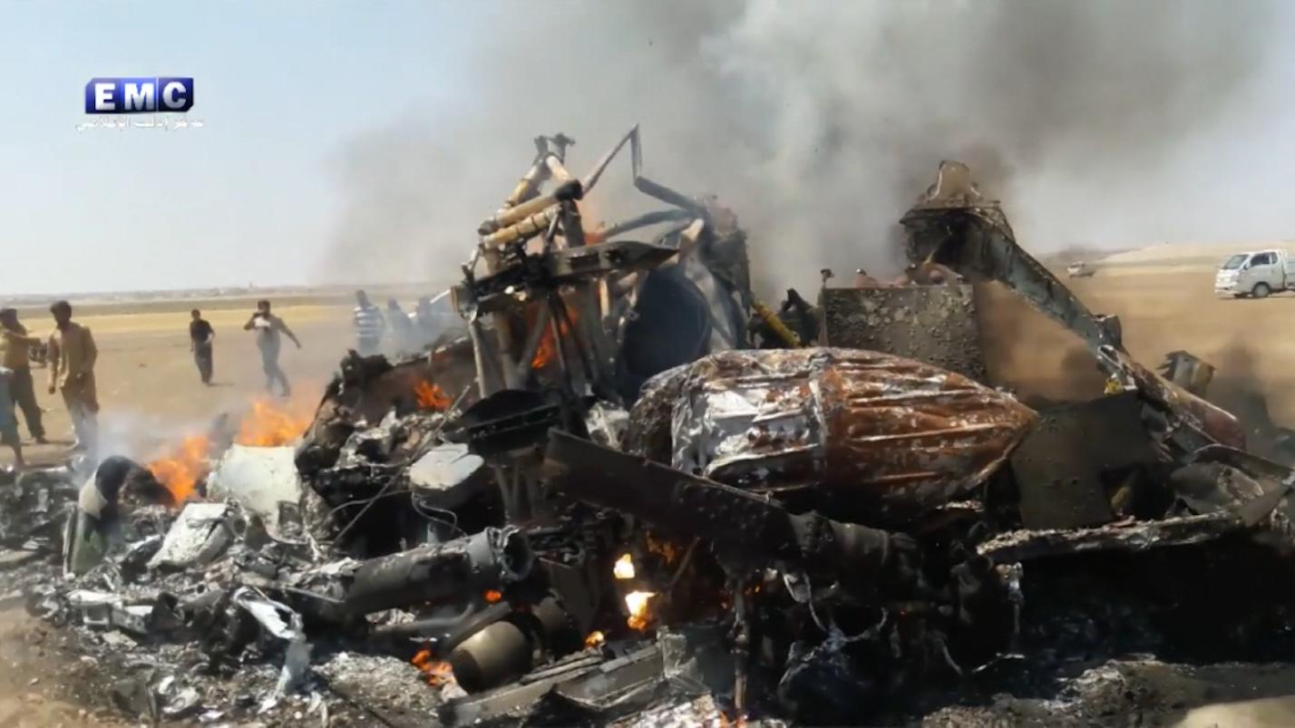 شاهد: سقوط طائرة روسية بنيران أرضية في ريف إدلب ومقتل 5 عسكريين على متنها