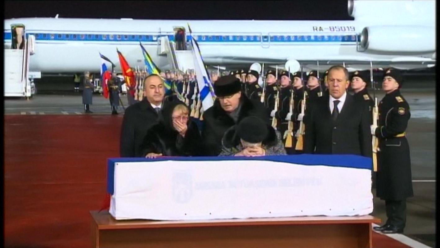 نقل تابوت آندريه كارلوف من أنقرة واستقباله في موسكو