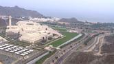 لماذا تهافتت قنوات من 180 دولة لتصوير شاطئ عُمان الأسبوع الماضي؟