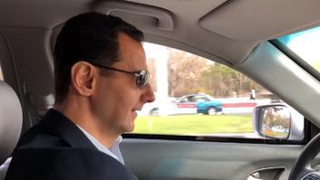 شاهد.. الأسد يقود سيارته من دمشق للغوطة