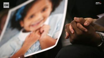 عائلات أمريكية تنشر مقطعاً غريباً للتحذير من حوادث إطلاق النار