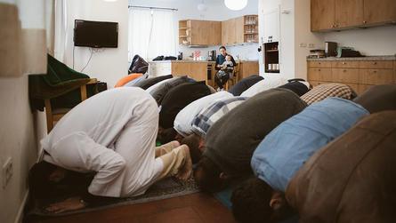 لماذا التجأ مسلمو ميونخ للصلاة في كنائس وحانات سابقة؟