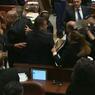 شاهد.. احتجاج أعضاء عرب بالكنيست الإسرائيلي على كلمة بنس