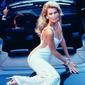 عارضة الأزياء كلوديا شيفر تستذكر رحلتها بالموضة على مدى 30 عاماً