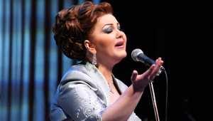 """أغنية """"عيني"""" تعيد ميّادة الحنّاوي إلى أجواء الرومانسية بعد غياب سنوات.. و5 ألبومات مؤجلة بانتظار الإصدار"""