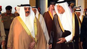 ملك البحرين في السعودية: على القيادة القطرية تصحيح مسار سياستها لعودة العلاقات