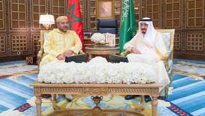 الملك سلمان بن عبدالعزيز عاهل السعودية، والملك محمد السادس عاهل المغرب، في اجتماع بالرياض