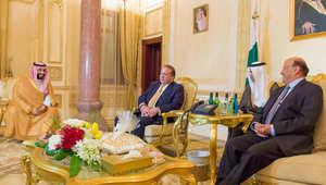 الرئيس اليمني مع رئيس وزراء باكستان ووزير الدفاع السعودي