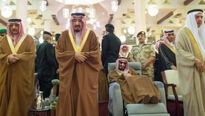 بالصور.. الملك سلمان في تشييع وعزاء شقيقه الأمير تركي