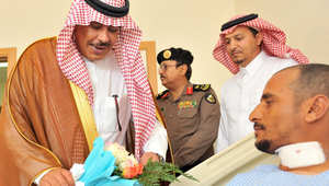 أمير الباحة يزور أفراد القوات المسلحة المصابين في تدريب الصمصام 5