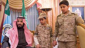 """الأمير محمد بن سلمان يواسي أسرة العقيد ركن عبدالله بن محمد السهيان الذي قتل أثناء إشرافه على عمليات """"إعادة الأمل"""" لليمن"""