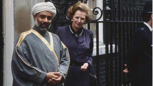 سلطان عمان، قابوس بن سعيد أقدم حاكم عربي على قيد الحياة ، مع رئيسة وزراء بريطانيا مارغريت تاتشر، مارس/ آذار 1982