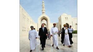 مزار الملوك والأمراء.. مالذي يميز جامع السلطان قابوس الأكبر في سلطنة عمان؟