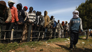 المهاجرون الأفارقة يدفعون ثمن الثورة الليبية