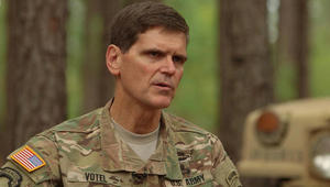 قائد القيادة المركزية بالجيش الأمريكي: نحو 900 عنصر بداعش قتلوا للآن في الموصل