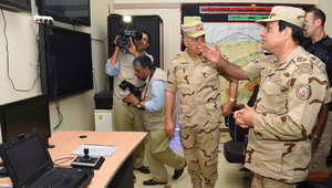 بالصور.. السيسي يزور سيناء بالزي العسكري بعد الهجمات الدامية