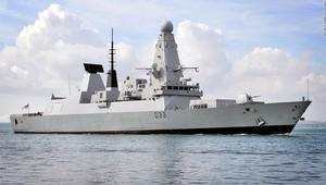 شاهد كيف تتسبب مياه الخليج في تعطيل سفن حربية بريطانية