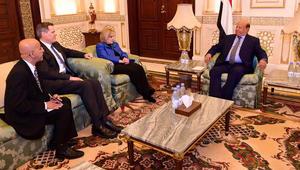 """الرئيس اليمني: ذاهبون إلى الكويت من أجل السلام الدائم.. وبحاح: قرارات هادي """"انقلاب"""" ومخالفة للدستور"""