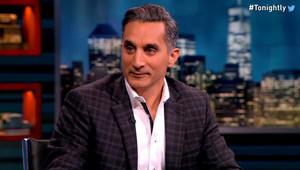 """باسم يوسف يهاجم أحمد موسى حول """"تعويم الجنيه"""": المفروض يتعمل أفلام تسجيلية"""