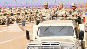 """وزير الدفاع المصري: الجيش يدعم القيادة السياسية وكافة قراراتها.. والسيسي يطالب الداخلية بـ""""الانتباه"""""""