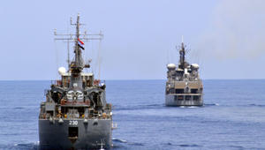 المتحدث باسم الجيش المصري: طائرات وقطع بحرية تبحث عن طائرة مصر للطيران بالتعاون مع اليونان