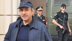 وزير الداخلية المصري الاسبق حبيب العادلي لدى وصوله إلى إحدى جلسات المحاكمة ، القاهرة، 3 يناير/ كانون الثاني 2013