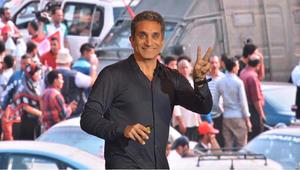 باسم يوسف ينتقد السيسي بعد سحب مصر