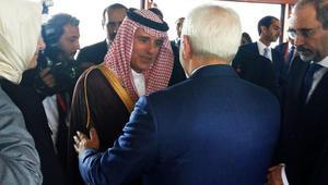 وزير خارجية إيران يعلق على مصافحة نظيره السعودي: أعرفه منذ سنوات