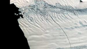 جبل جليدي مساحته 255 ميلا مربعا بتحرك بعيدا عن القطب الجنوبي