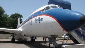 """طائرة  """"ليزا ماري"""""""