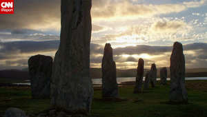 هل تعتقد ان ستون هيج هو الموقع الصخري الأثري الوحيد في الجزر البريطانية، لا.. فاسكتلندا موطن العديد منها تحديدا في جيزة لويس، حيث ينتصب هذا المعلم الأثري منذ قرابة 5 آلاف عام