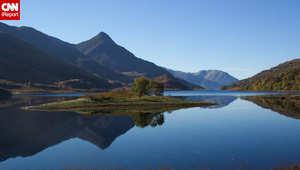 """تشتهر اسكتلندا بمياهها العذبة والبحيرات الصافية الزرقاء والعيون، هنا تبدو منطقة """"لوش ليفين"""" التي تعتبر موطنا لأنواع كثيرة من الطيور"""