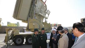 """روحاني يتفقد """"باور 373"""": قوتنا العسكرية لن تضر دول الجوار"""