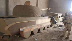 الجيش العراقي: داعش يستخدم دبابات وأسلحة خشبية للتمويه
