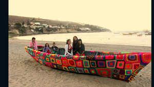 الحياكة ليست للجدات فقط..وخيوطها تغطي الأشجار والقوارب في تشيلي