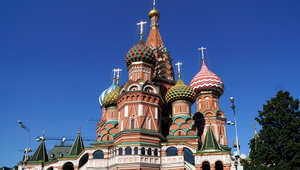 بظل أزمات السياسية وانهيار الروبل.. هل عليك تجنب السياحة بروسيا؟
