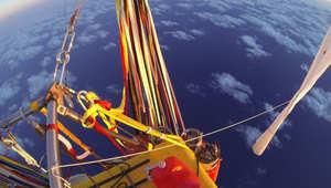 طياران يحلقان فوق المحيط الهادئ بمنطاد هوائي خلال ستة أيام