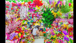 """""""جنة"""" من الألوان تميز سوق السلع الأكبر عالمياً في الصين"""