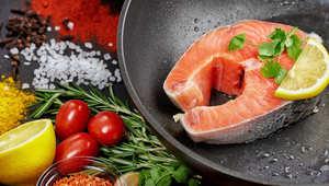 دراسة: النظام الغذائي النباتي الغني بالأسماك يقلل من خطر الإصابة بسرطان القولون
