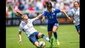 مباراة ودية بين ايرلندا والولايات المتحدة في كاليفورنيا انتهت بفوز امريكا 3-0