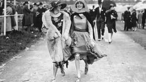 أزياء سباقات الفروسية عبر التاريخ