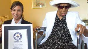 """أكبر معمرة في العالم تحتفل بعيد ميلادها 116 وتكشف """"سبب"""" طول عمرها"""