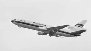 صدق أو لا تصدق..سيارات طائرة غزت الأجواء منذ سبعة عقود