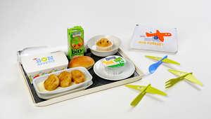 لماذا تقدم شركات الطيران وجبات طعام أشهى للأطفال؟