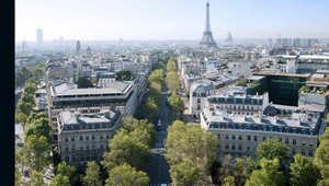 """هل سيشوه البرج """"الوحش"""" سماء باريس؟"""