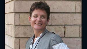 أصدقاء مسؤولة الأمم المتحدة السابقة، جاكلين ساتون، يشكون بانتحارها في مطار أتاتورك ويطالبون بفتح تحقيق