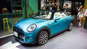 سيارات تقود نفسها  وأخرى تعمل بالهيدروجين